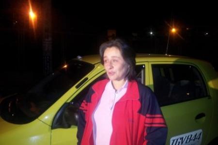 Por un descuido madre dejó a su hija dormida en un taxi | LA F.m